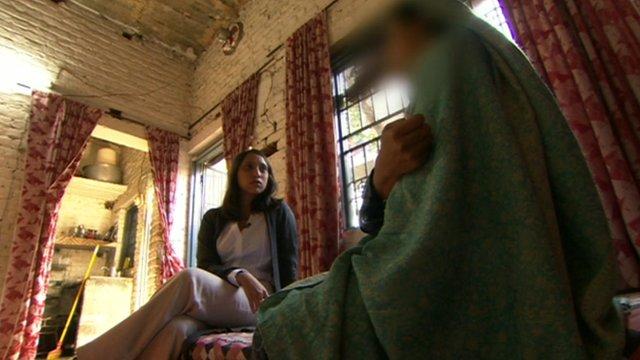 Tulip Mazumdar with an abandoned wife in Pakistan