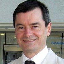 Dr Iain Maclennan