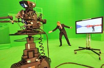 Jeremy Vine uses green-screen