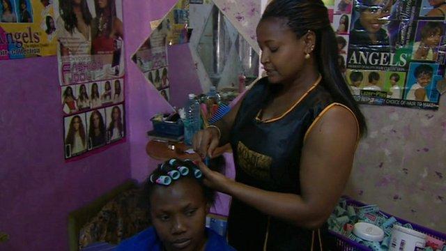 Agnes Warengi and customer