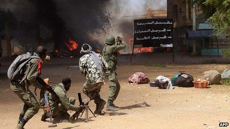 Malian troops fighting in Gao. 21 Feb 2012