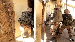 French troops search homes in Gao. 21 Feb 2013