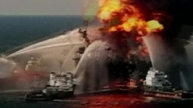 Deepwater rig ablaze - file photo