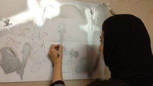 Malina Suliman sketching