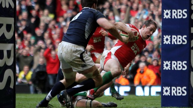 Shane Williams scores for Wales against Scotland in 2010