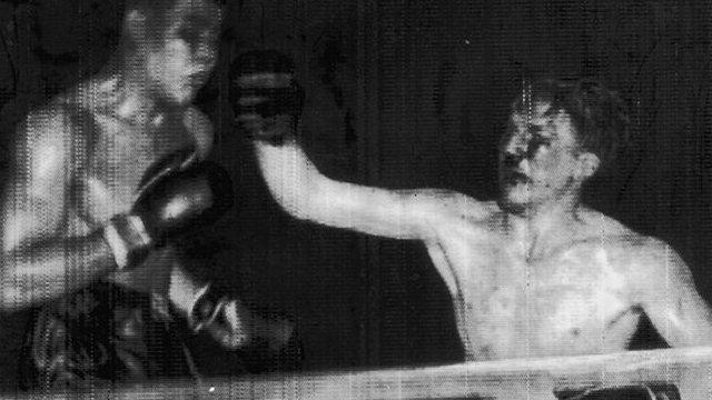 Tommy Farr fighting Joe Louis