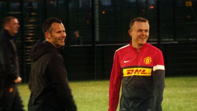 Manchester United's Ryan Giggs (left)