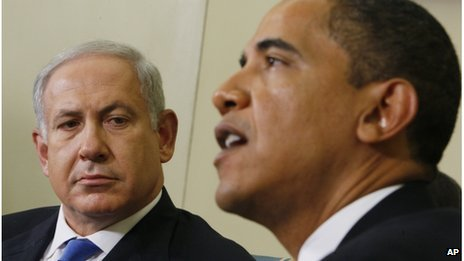 Benjamin Netanyahu looks towards Barack Obama, the Oval Office of the White House in Washington, May 2009