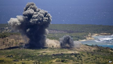Unexploded ordinance is blown up in a controlled demolition on Vieques island (17 April 2008)