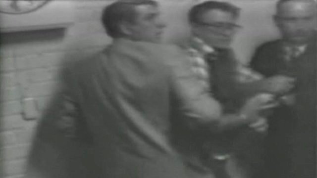 Police hold James Earl Ray