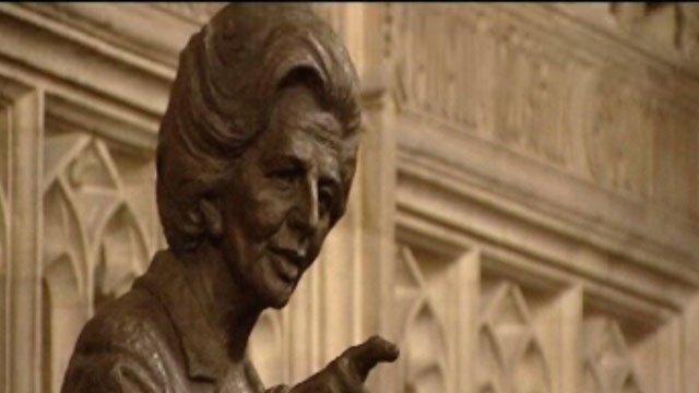Cerflun o'r Farwnes Thatcher