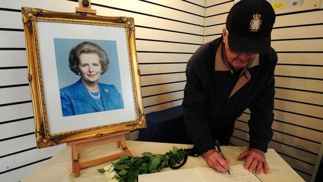 Talu teyrnged i Margaret Thatcher