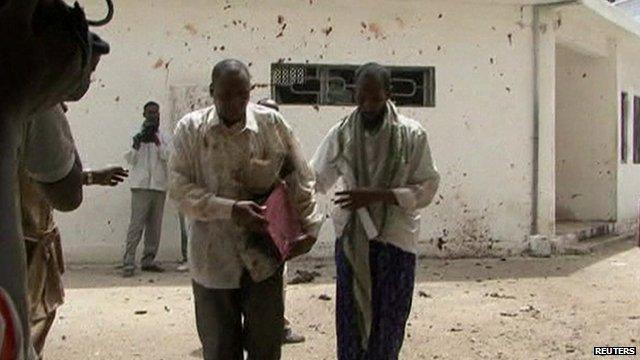 Man apparently wounded, leaving Mogadishu courthouse