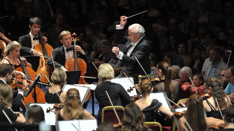 Sir Colin Davis conducts the Gustav Mahler Jugendorchester at the BBC Proms on 24 August 2011