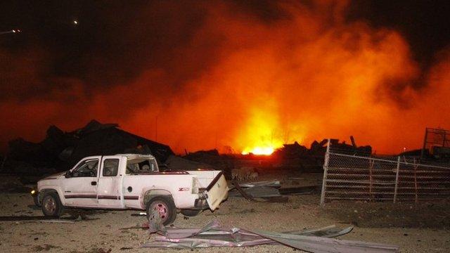 Fire burns at site of fertiliser plant near Waco, Texas. 17 April 2013