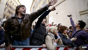 Demonstrators outside the Italian parliament building in Rome. Photo: 20 April