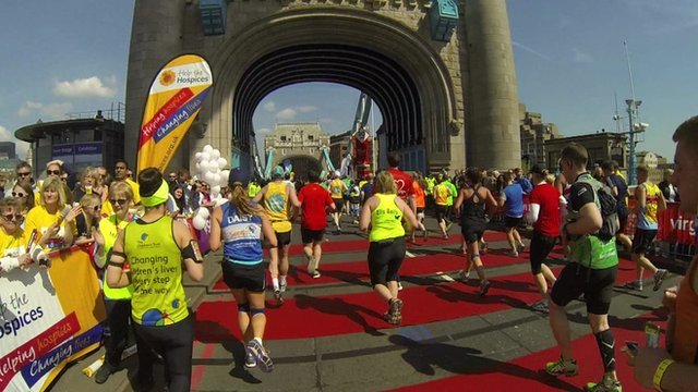 Marathon runners on Tower Bridge