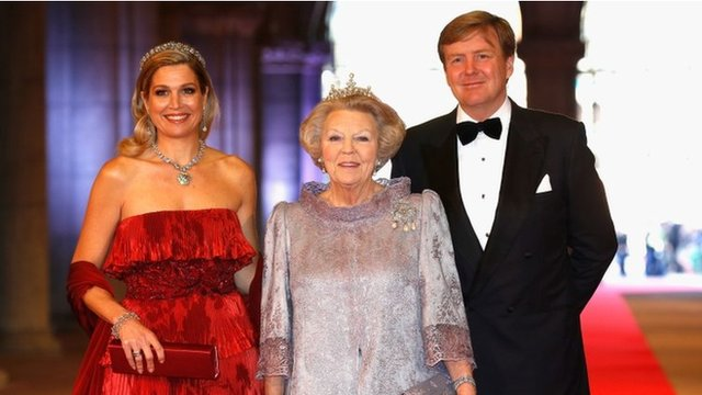 Princess Maxima, Queen Beatrix (C) and Crown Prince Willem-Alexander (April 29 2013)