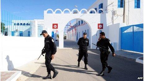 Tunisian police at the Ghriba synagogue