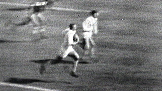 Tom van Vollenhoven scores legendary try at Wembley in 1961