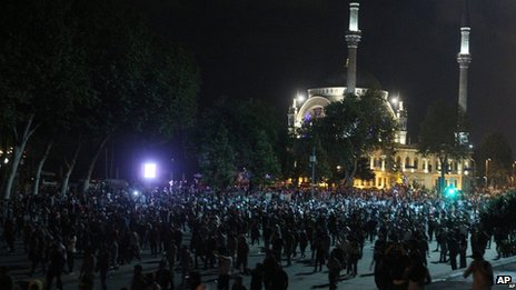 Protesters gather in front of Dolmabache mosque, Istanbul, on 2 June.