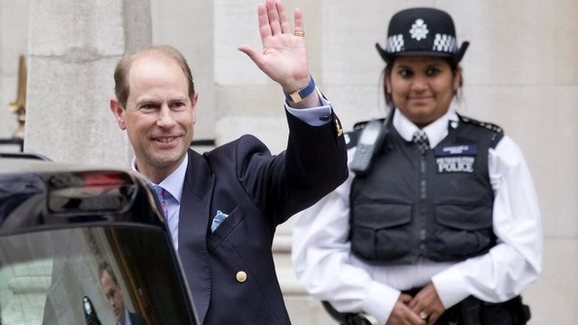 """Britain""""s Prince Edward, the Earl of Wessex, waves to the press as he leaves the London Clinic, where Britain""""s Prince Philip, Duke of Edinburgh, is recovering following an exploratory abdominal surgery"""