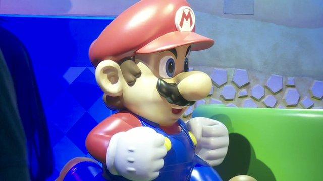 Super Mario figurine