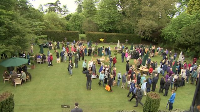 Antiques Roadshow in Cirencester