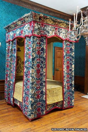 Mary of Modena's bed, Hampton Court Palace