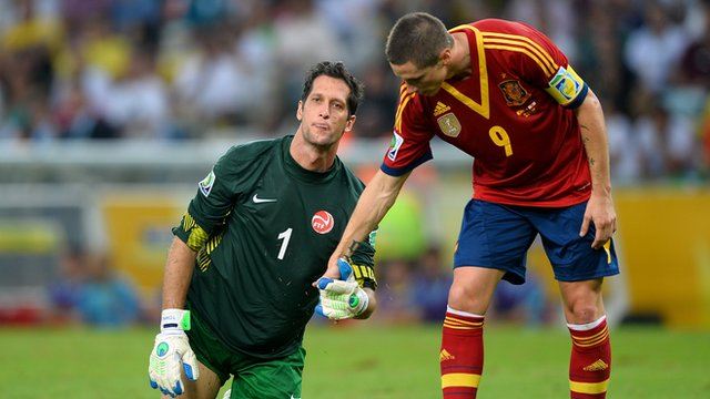 Fernando Torres and Mickael Roche