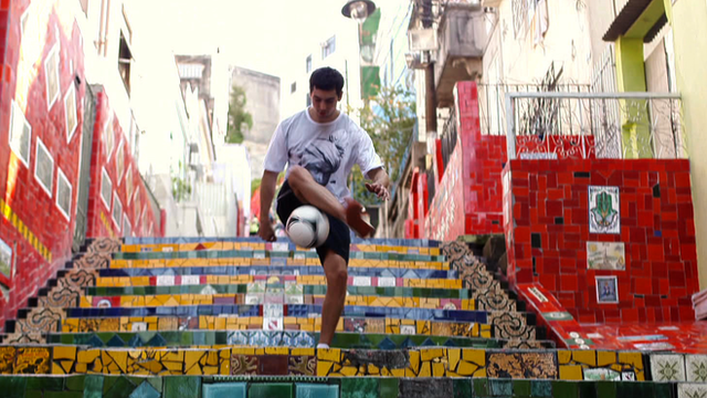 Freestyle footballer in Brazil