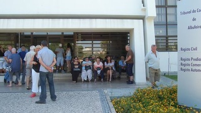 Those arrested await their court appearance in Albufeira