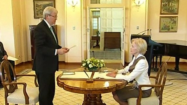 Australian PM Kevin Rudd tells media to 'just chill' - BBC News