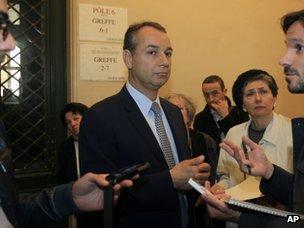 Philippe Karsenty speaks to reporters in Paris (22 May 2013)