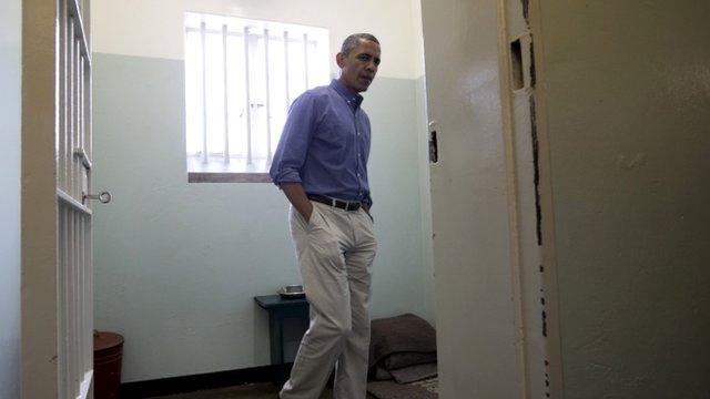 US President Barack Obama in Nelson Mandela's old cell
