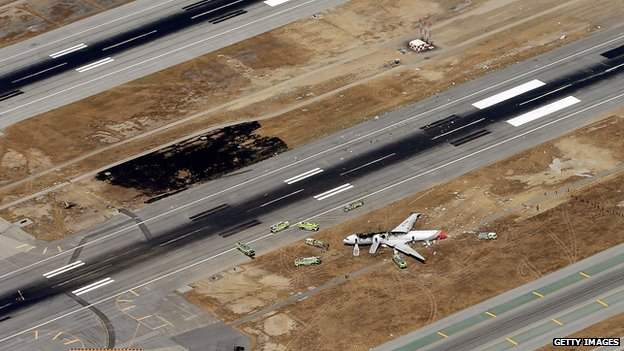 Wreckage of plane at San Francisco airport (7 July 2013)