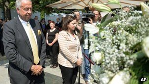 """Germany's State Minister for Culture, Bernd Neumann, at the site of the new memorial in Berlin for the victims of the Nazi """"euthanasia"""" programme (8 July 2013)"""