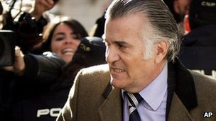 Luis Barcenas arrives for questioning in Madrid, 6 February