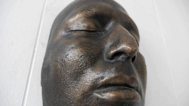 A death mask