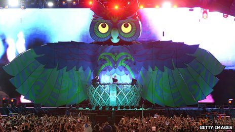 Electric Daisy Carnival owl and crowd