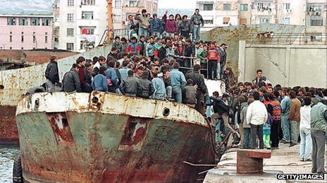Albanians hoping to escape to Italy 1997