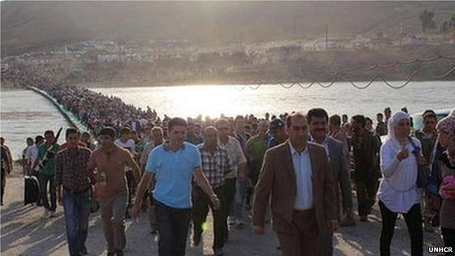 Refugees cross Tigris into Iraqi Kurdistan, 15 August