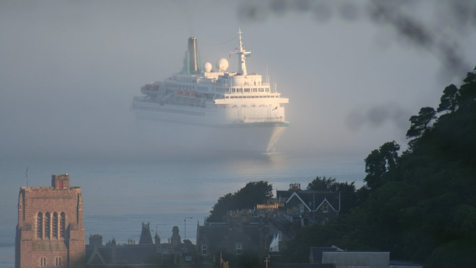 Liner approaching Oban