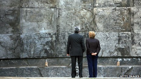Former Chilean President Michelle Bachelet (right) observes the memorial to the missing at Villa Grimaldi, a torture centre during the military regime in 2006