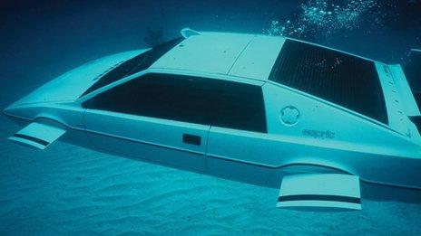 James Bond's submarine Lotus Esprit