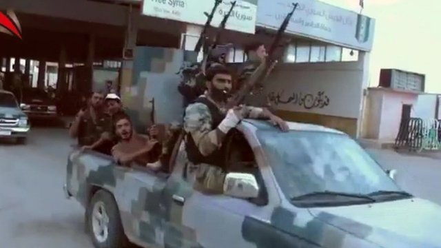 Free Syria Army soldiers leaving Aleppo