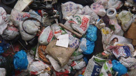 Bags of waste delivered to Klemetsrud