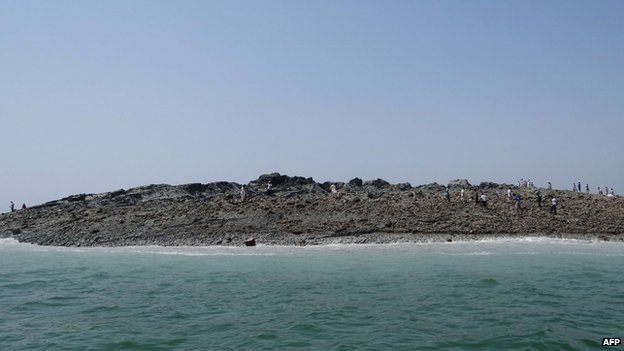 Picture handout from the Pakistani government of the island that appeared off the coast of Gwadar, on 25 September 2013