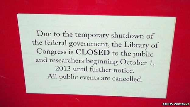 Signpost announcing closure of Library of Congress in Washington DC on 1 October