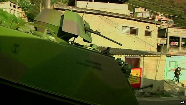 Armoured vehicle in Rio slum